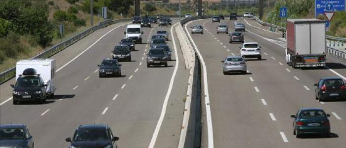 ¿Qué hacer si el coche que provoca el accidente huye o no tiene seguro?