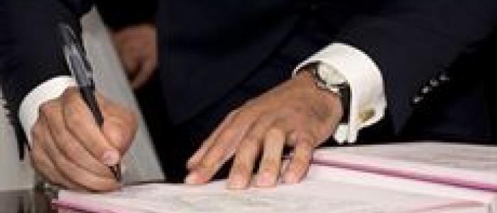 """Pedir el móvil y e-mail al firmar un contrato es """"abusivo"""""""